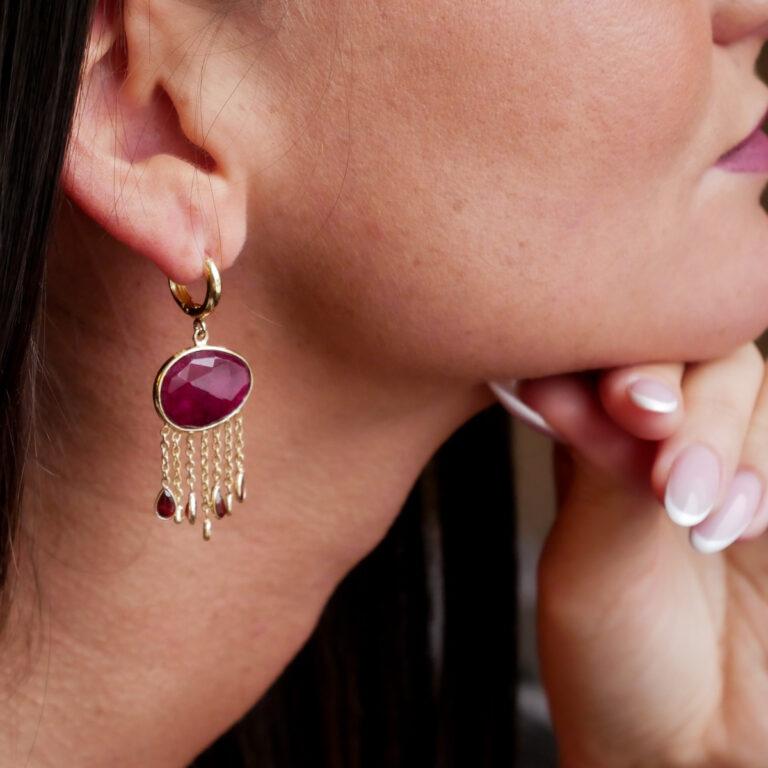 Boucles d'oreilles plaquées or 24 carats avec des gouttes en pierres naturelles de Grenat