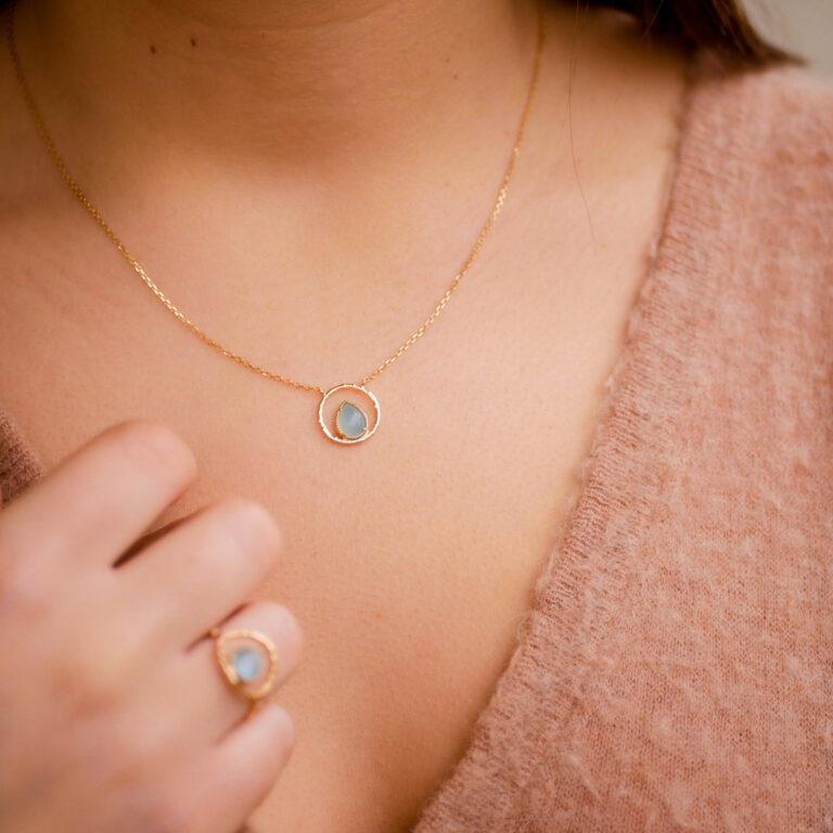 Bijou plaqué or 24 carats, made in France, composé d'une pierre naturelle d'Amazonite.